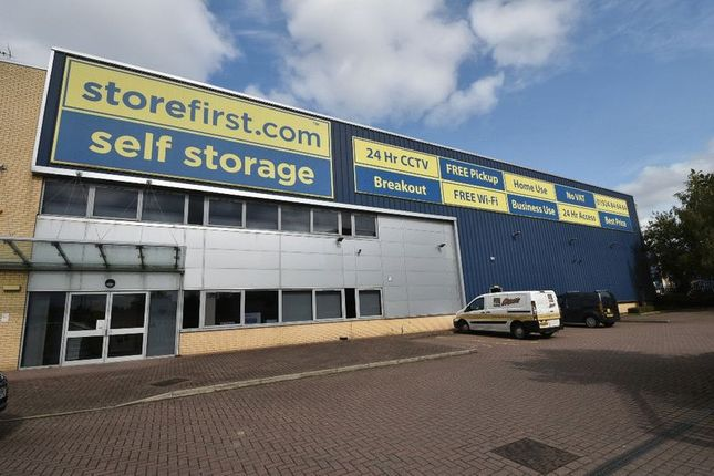 Commercial property for sale in Freeway Drive, Castleford