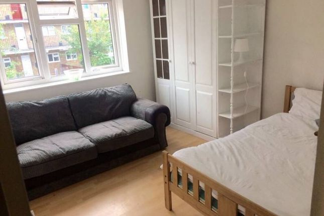 Thumbnail Room to rent in Brierly Gardens, London