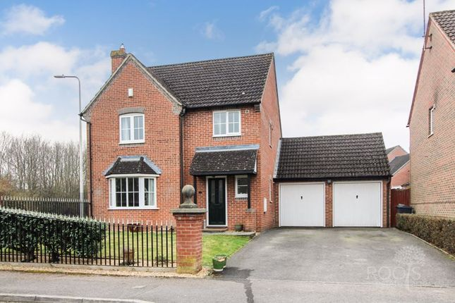 4 bed detached house for sale in Trefoil Drove, Thatcham RG18