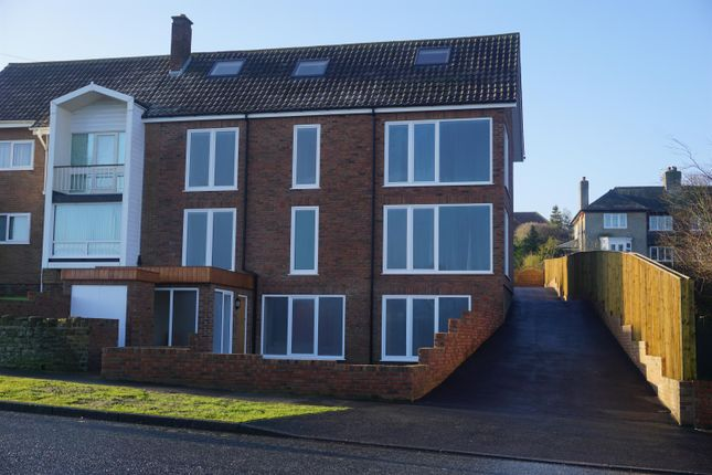 Thumbnail Maisonette for sale in Holbeck Hill, Scarborough, North Yorkshire