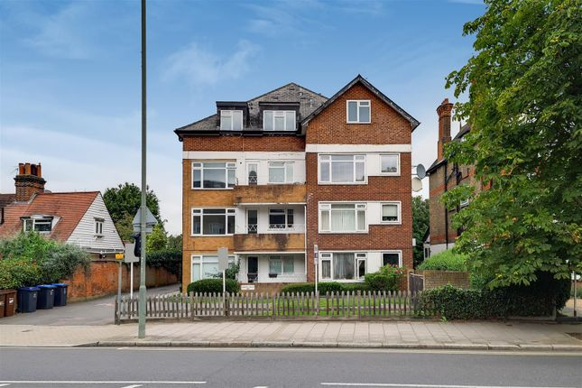 Thumbnail Flat to rent in Bromley Road, Beckenham