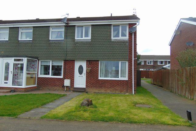 Thumbnail Terraced house for sale in Glenside, Ellington, Morpeth