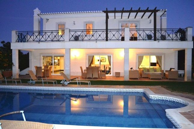 Villa for sale in Varandas Do Lago, Algarve, Portugal