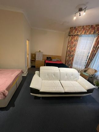 Thumbnail Room to rent in West Hill Road, Bournemouth