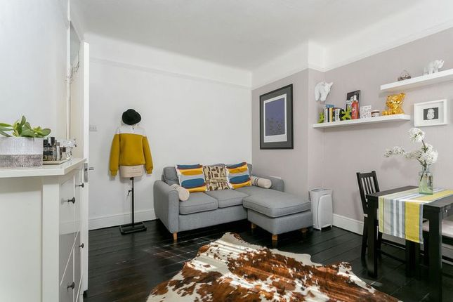 Thumbnail Terraced house to rent in Gladstone Avenue, London
