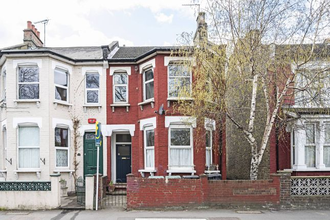 Thumbnail Flat to rent in Wightman Road, Crouch End, London
