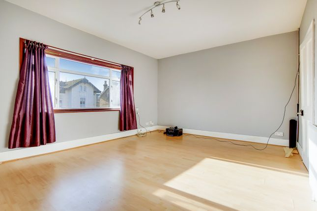 Thumbnail Flat to rent in Lower Addiscombe Road, Croydon, Surrey