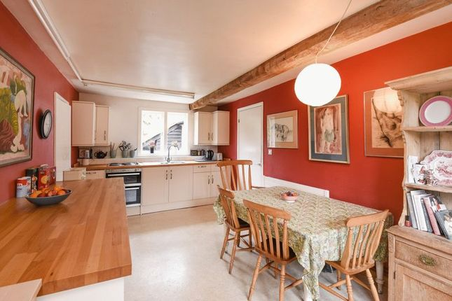 Large  Bedroom Home For Sale In Oxford Street Clifton