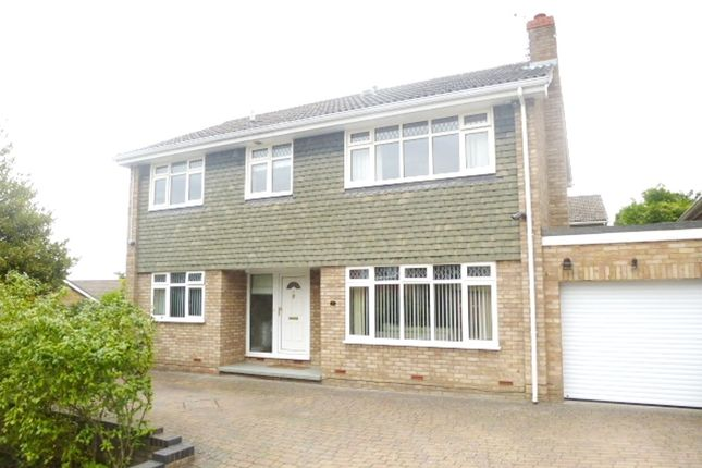 Thumbnail Detached house for sale in Hillside, Royston