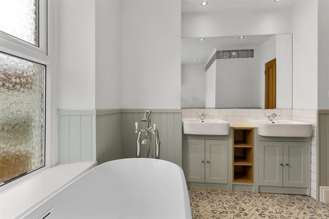 Bathroom of Southern Terrace, Mutley, Plymouth PL4