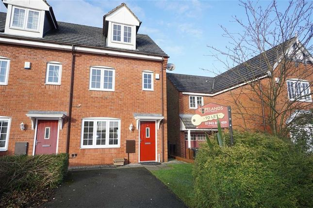 Thumbnail Town house to rent in Martindale Crescent, Wigan