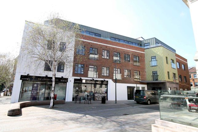 Thumbnail Flat to rent in Market Place, High Street