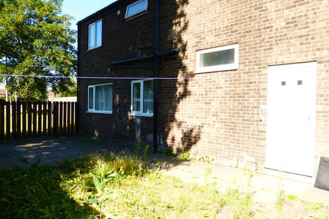 Thumbnail Semi-detached house for sale in Selby Court, Scunthorpe