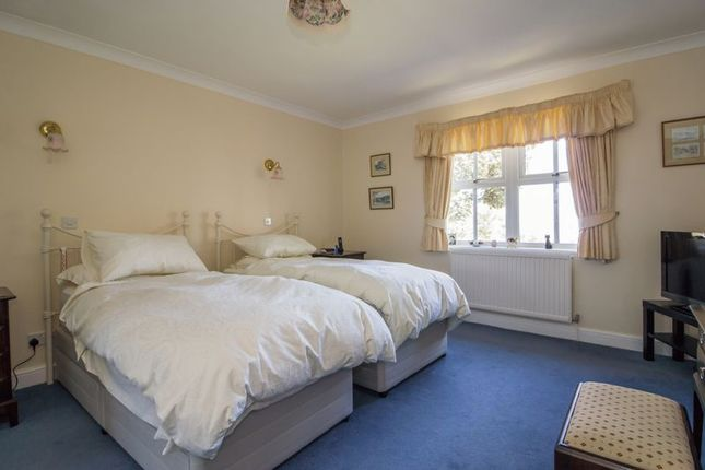 Photo 20 of Cliffside, Penarth CF64