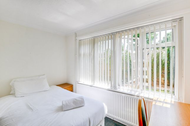 Thumbnail Semi-detached house to rent in Forest Road, Colgate, Horsham