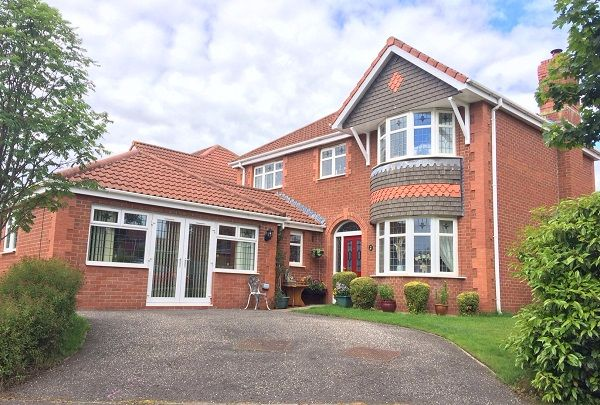 Thumbnail Detached house for sale in Bruce Gardens, Dunfermline