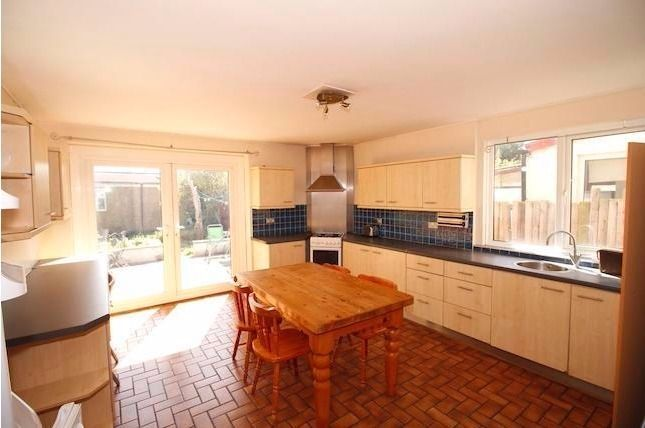 Thumbnail Semi-detached house to rent in Hook Road, Surbiton