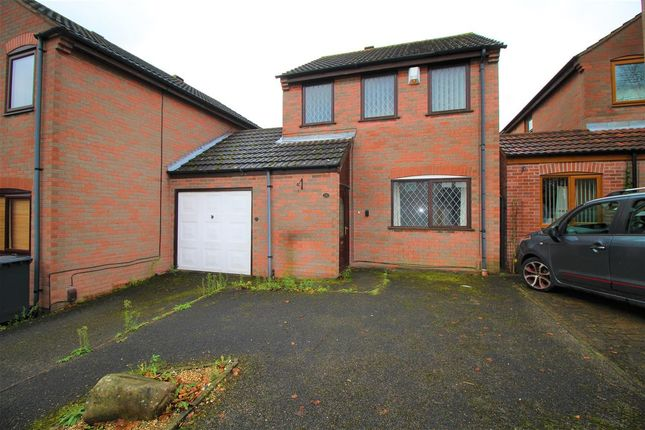 Main Picture of Acorn Avenue, Giltbrook, Nottingham NG16