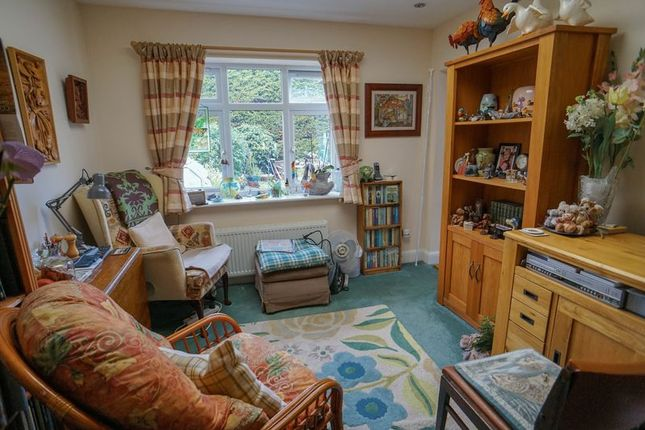 Second Reception of Woodleigh Avenue, Leigh-On-Sea SS9