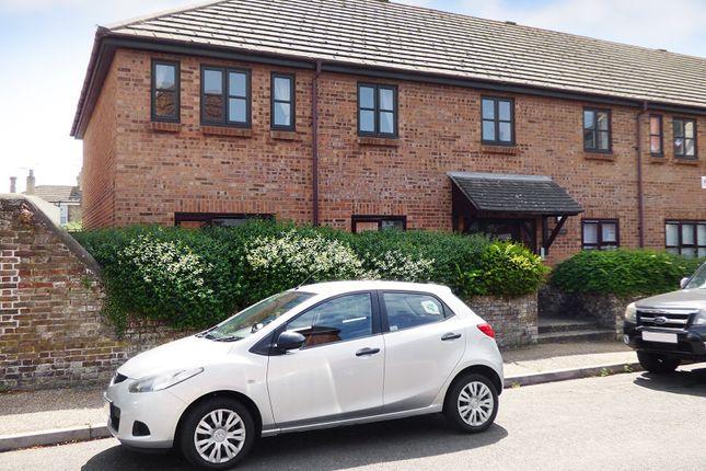 Thumbnail 1 bed flat to rent in Linden Road, Littlehampton