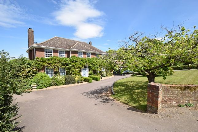 Thumbnail Detached house for sale in Homedale House, Park Road, Toddington