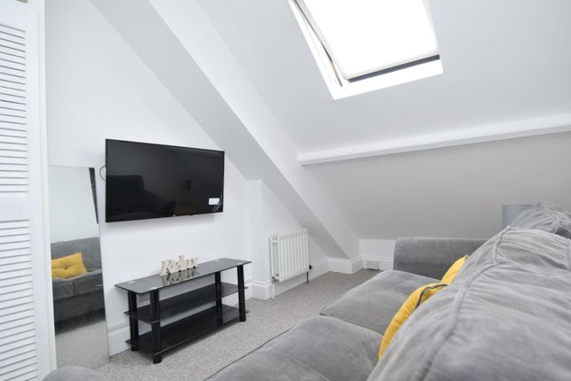 Thumbnail Flat to rent in Napier Terrace, Flat 3, Plymouth