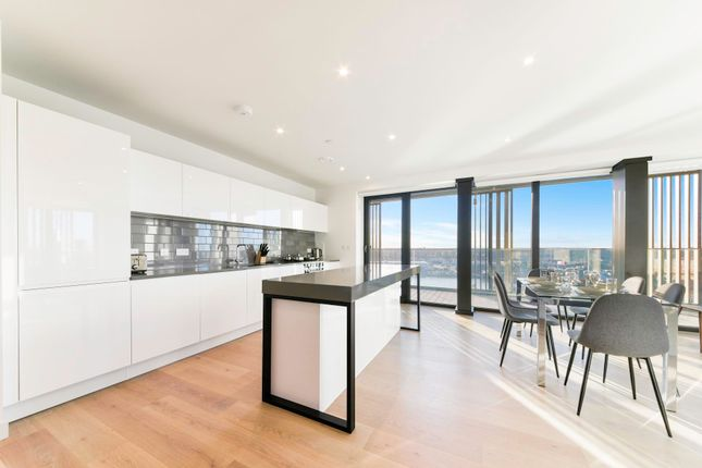 Thumbnail Flat to rent in Marco Polo Tower, Royal Wharf, London