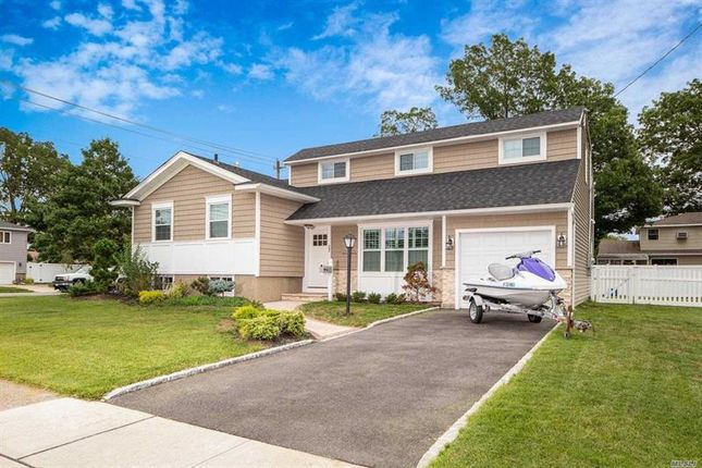 Property for sale in Massapequa Park, Long Island, 11762, United States Of America