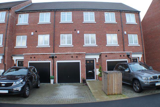 Thumbnail Town house to rent in Ravens Dene, Chislehurst