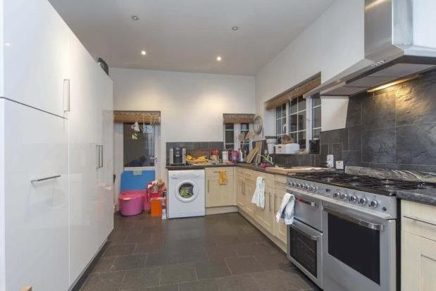 Thumbnail Property to rent in 26 Blake Hall Road, London