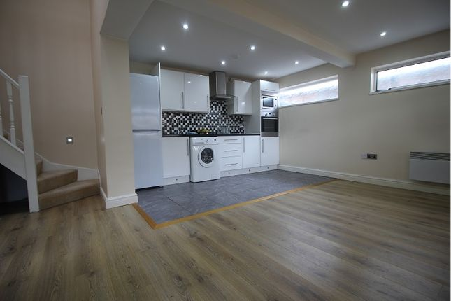 Thumbnail Semi-detached house to rent in Belmont Vale, Maidenhead