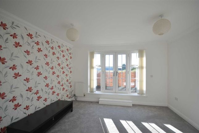 Thumbnail Terraced house to rent in Hayling Close, Cippenham, Slough