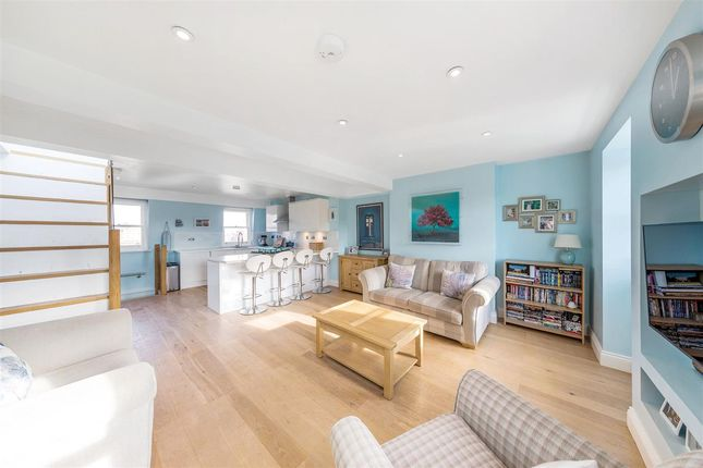 Thumbnail Flat to rent in Boutflower Road, London