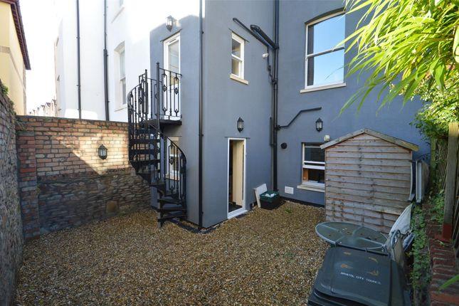 Courtyard of Bf Alexandra Park, Redland, Bristol BS6