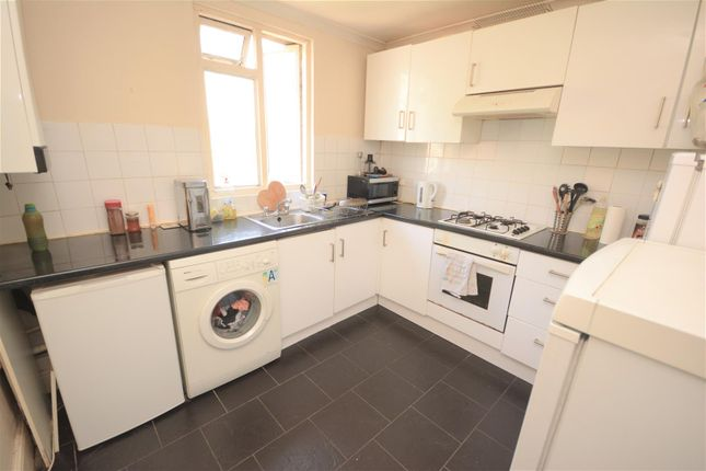 Maisonette For Sale In Cavendish Road, Colliers Wood, London