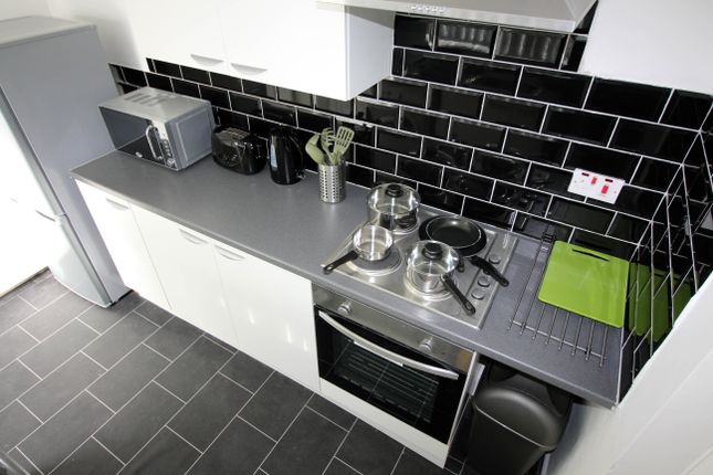 Thumbnail Shared accommodation to rent in Oxford Street, Middlesbrough