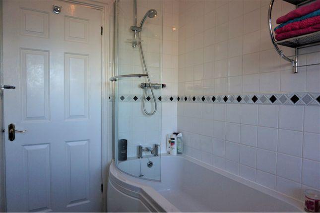 Family Bathroom of Wycombe Way, Luton LU3