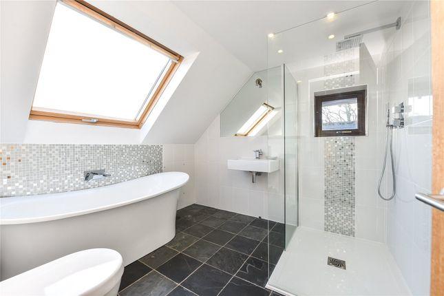 En Suite of Sway Road, Pennington, Lymington, Hampshire SO41