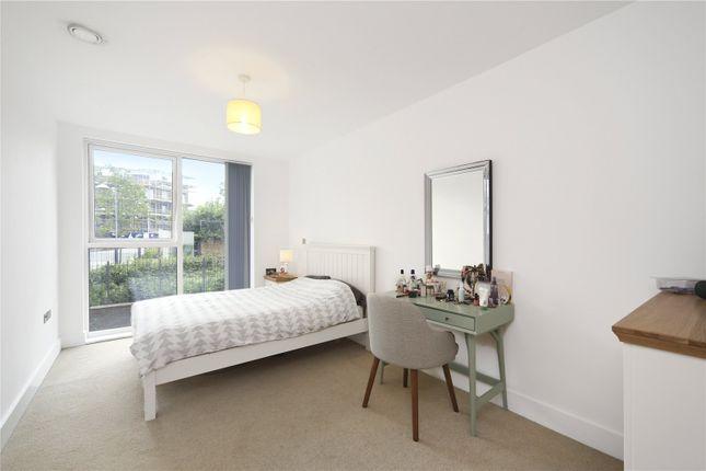 Bedroom of Brixton Road, London SW9