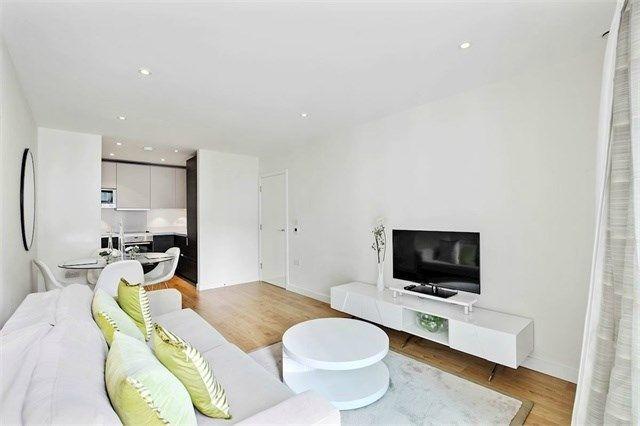 Thumbnail Flat to rent in Waterhouse Apartments, 3 Saffron Central Square, Croydon