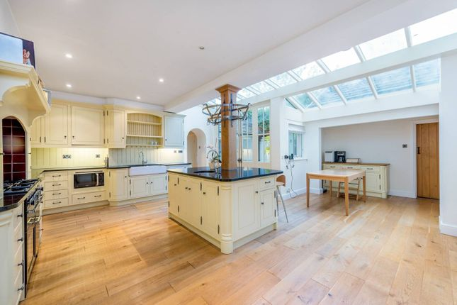 Thumbnail Detached house to rent in Linnell Drive, Hampstead Garden Suburb, London