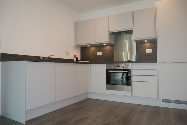 Thumbnail Flat to rent in Nestles Avenue, Hayes