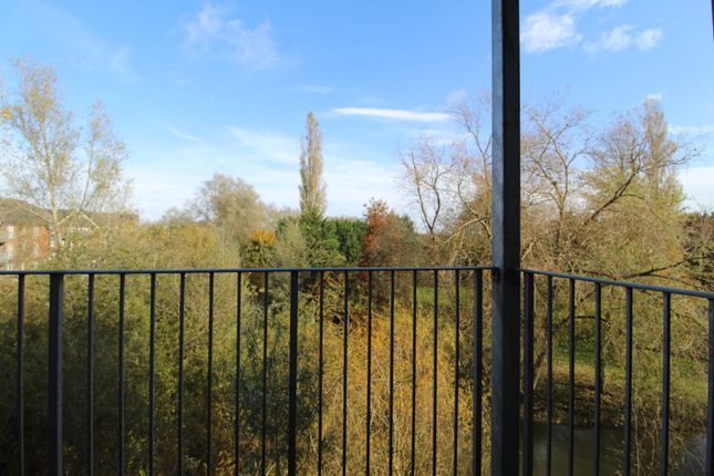 Balcony of Millward Drive, Bletchley, Milton Keynes MK2