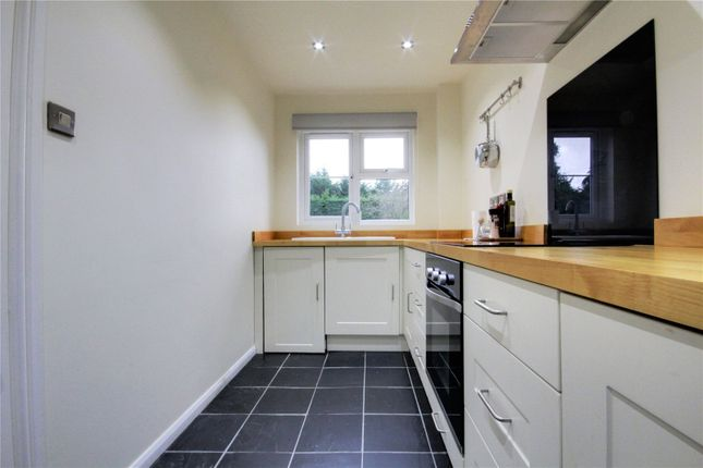 Picture No. 01 of Mansell Court, Shinfield Road, Reading, Berkshire RG2