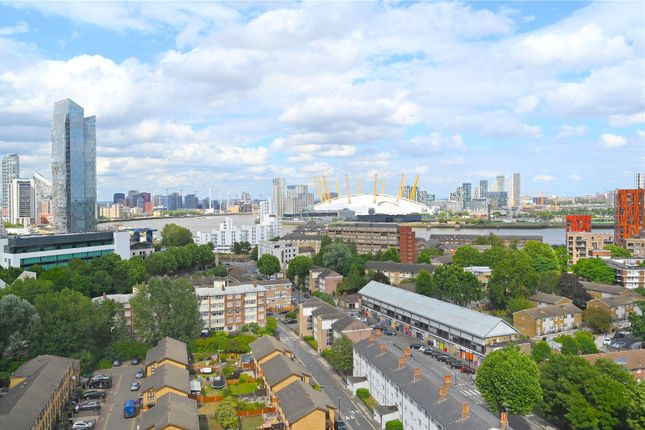 View East of City Tower, 3 Limeharbour, Canary Wharf, London E14