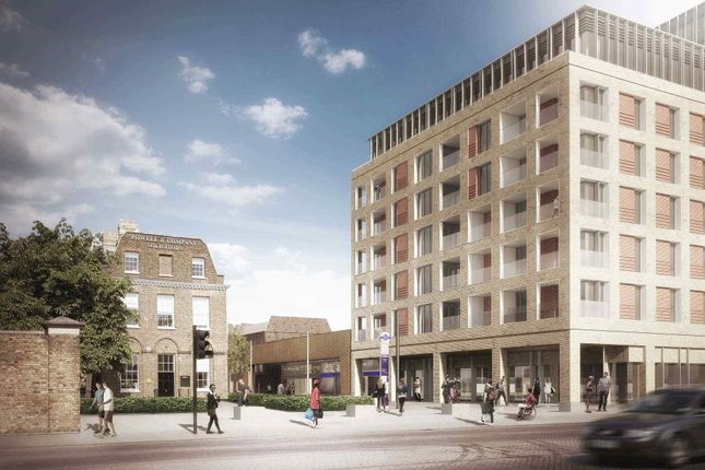 Thumbnail Flat for sale in Woolwich, London