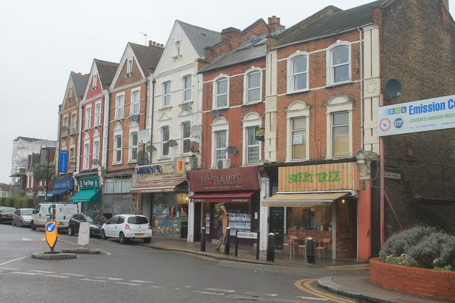 Thumbnail Flat to rent in Cresent Road, Alexandra Palace, London