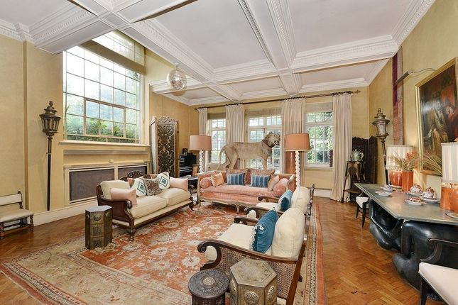 Thumbnail Property to rent in Cheyne Row, Chelsea