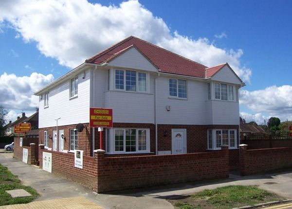 1 bed flat to rent in The Drive, Horley
