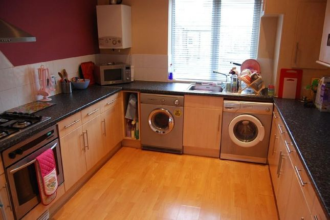 Thumbnail Flat to rent in Hilltop Court, Wilmslow Road, Fallowfield, Manchester